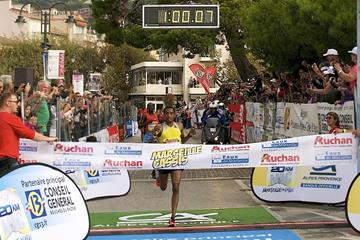Mule Wasihum wins the 2013 Marseille-Cassis 20km (Aurélie Robert / REK-ON)