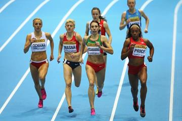 Chanelle Price leads the 800m at the 2014 IAAF World Indoor Championships in Sopot (Getty Images)