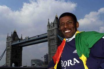 Haile Gebrselassie at the 2002 London Marathon (Getty Images)
