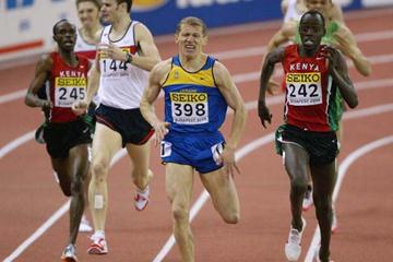 Paul Korir (KEN) sprints to the line to win the 1500m final (Getty Images)