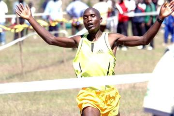 Philip Langat wins the senior men's race (Elias Makori)