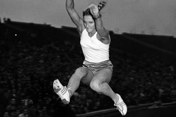 Polish long jumper Elzbieta Krzesinska (AFP / Getty Images)