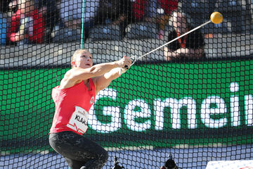 Kathrin Klaas in the hammer at the ISTAF meeting in Berlin (Gladys Chai von der Laage)