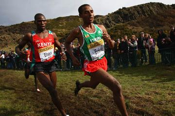 Kenenisa Bekele leading Joseph Ebuya - Edinburgh 2008 (Getty Images)