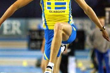 Christian Olsson (SWE) jumping indoors in Glasgow (Getty Images)