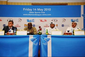 IAAF spokesman Nick Davies, IAAF President Lamine Diack, Qatari Olympic Committee General Secretary H.E. Sheik Saoud Din Abdulrahman Al Thani, and QAAF President Abdula Ahmad Al Zaini at the Doha Diamond League press conference (Jiro Mochizuki)