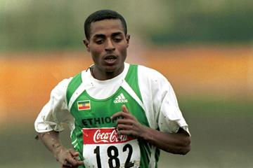 Kenenisa Bekele at the 2001 IAAF World Cross Country Championships (Getty Images)