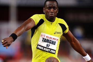 Teddy Tamgho sails 17.58m in Bercy (Jiro Mochizuki (Agence shot))