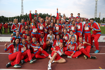 The Russian team celebrates their victory at the European Cup in Cheboksary (Jean-Pierre Durand)