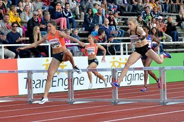 Zuzana Hejnova leading the 400m hurdles at the 2015 IAAF Diamond League meeting in Stockholm (Deca Text&Bild)