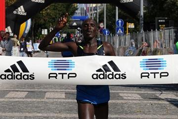 Silas Sang takes a surprise victory in Lisbon in 2008 (Marcelino Almeida)
