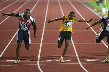 Harry Aikines-Aryeetey of GBR wins the men's 100m final at the 2006 World Juniors in Beijing (Getty Images)