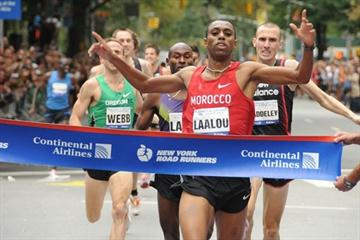 Amine Laalou makes his first visit to New York a memorable one with a victory in the Fifth Avenue Mile (New York Road Runners)