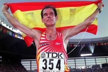 Abel Anton after winning the marathon at the 1999 IAAF World Championships (Allsport)