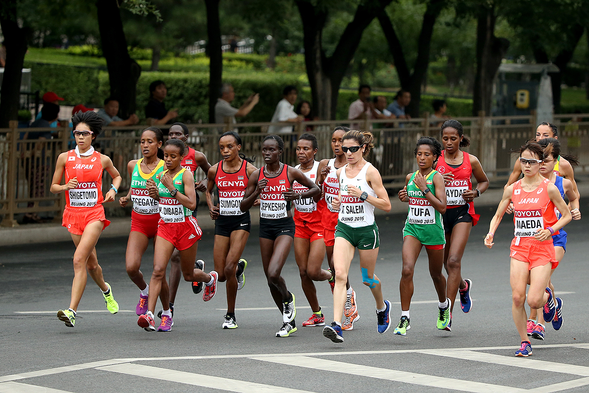 The lead pack in the women's marathon at the IAAF World Championships Beijing 2015 (Getty Images)