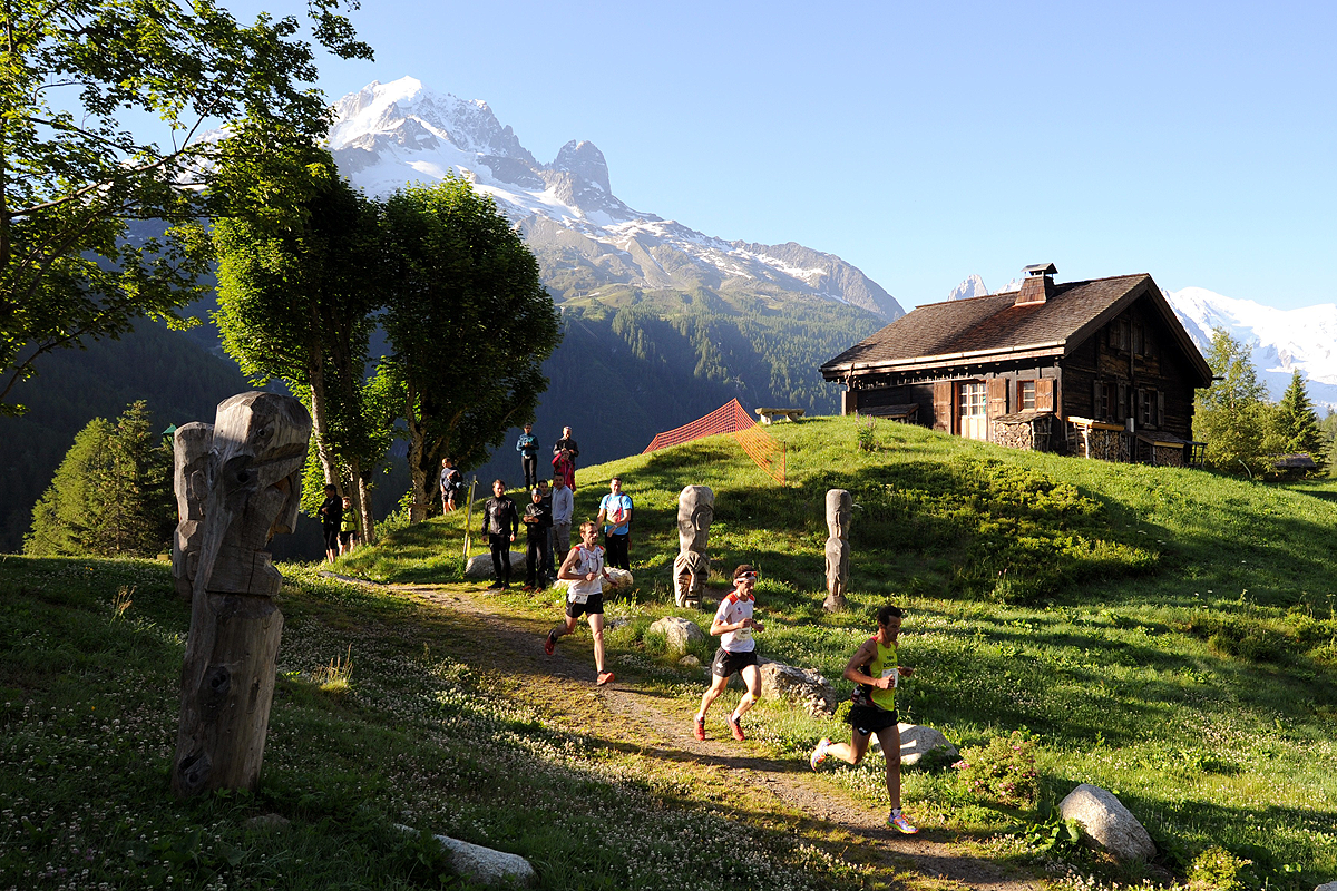 Runners in action during the Marathon of Mont Blanc (AFP / Getty Images)