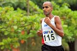 Gilmar Lopes winning at the 2013 Brazilian Cross Country Championships (Wagner Carmo/CBAt)