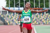 Gelete Burka wins the 10,000m in Hengelo (Coen Schilderman)