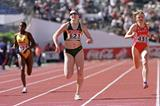 Jana Pittman winning the 400m at the 2000 IAAF World Junior Championships (Getty Images)