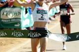 Sonia O'Sullivan wins the 5km in London (Getty Images)