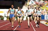Kelly Holmes wins the 1500mat the World Athletics Final (Getty Images)