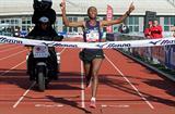 Getu Feleke sets course record 2:05:44 in 2010 Amsterdam Marathon (Orange Pictures | Karel Delvoye)