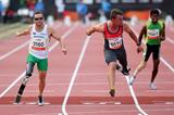 Heinrich Popow and Scott Reardon share the spoils in 100m T42 final at the 2013 IPC Athletics World Championships  (Getty Images)