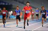 Zhang Peimeng of China breaks the Asian 4x100m record at the Asian Games (Getty Images)