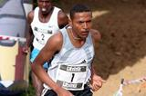 Zersenay Tadese wins the 2005 Alcobendas XC race (José Manuel Colomo - MIGUELEZ SPORT FOTO)