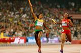 Novlene Williams-Mills anchors Jamaica to gold in the 4x400m at the IAAF World Championships, Beijing 2015 (Getty Images)