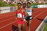 Kenenisa Bekele takes a short turn at the front in the Hengelo 10,000m (Detlef Moritz Abebe)