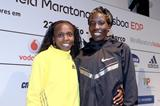 Sylvia Kibet and Edna Kiplagat ahead of the 2013 EDP Lisbon Half Marathon (Victah Sailor)