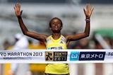 Ethiopia's Aberu Kebede wins at the 2013 Tokyo Marathon (Yohei Kamiyama - Agence SHOT)