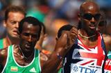 Mo Farah leads the pack in the 5000m heats (Getty Images)