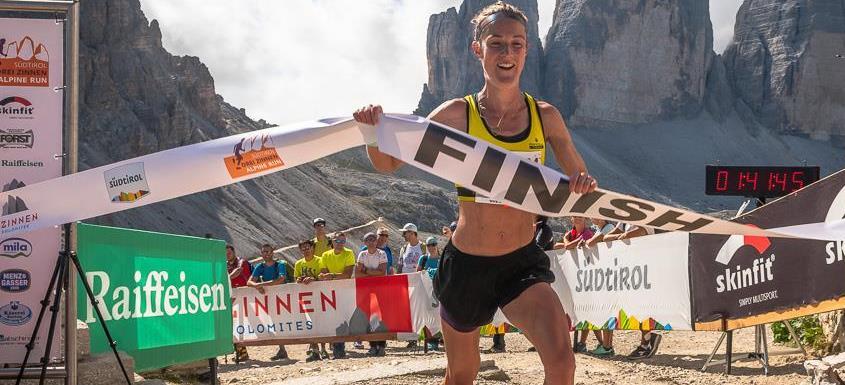 Sarah Tunstall wins at the DreiZinnen Alpine Run (Marco Gulberti / Corsa in Montagna)