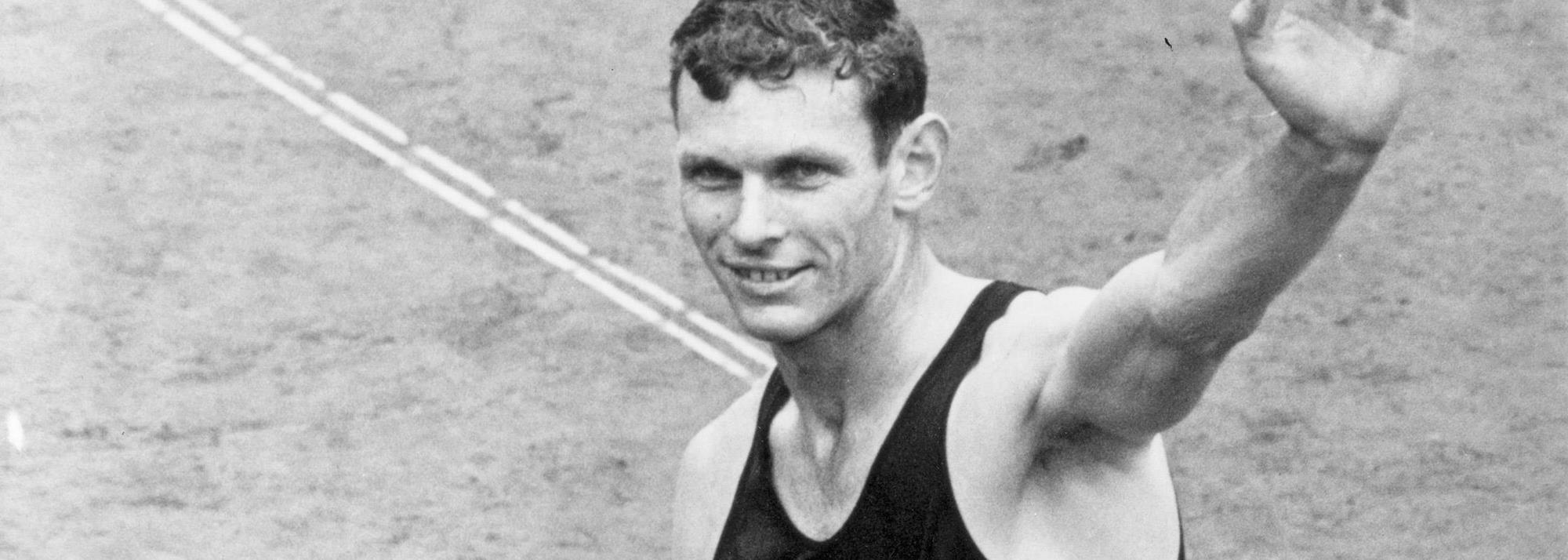 Triple Olympic gold medallist Snell dies