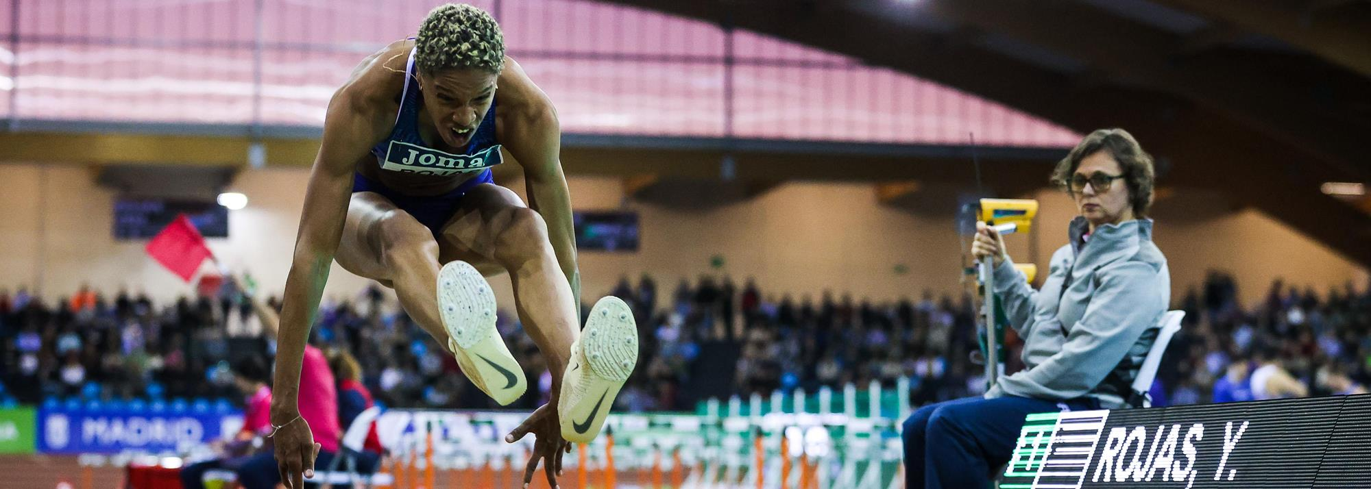 Rojas breaks world indoor triple jump record in Madrid with 15.43m