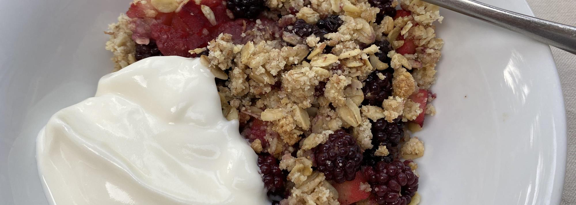 Recipe: blackberry and apple crumble