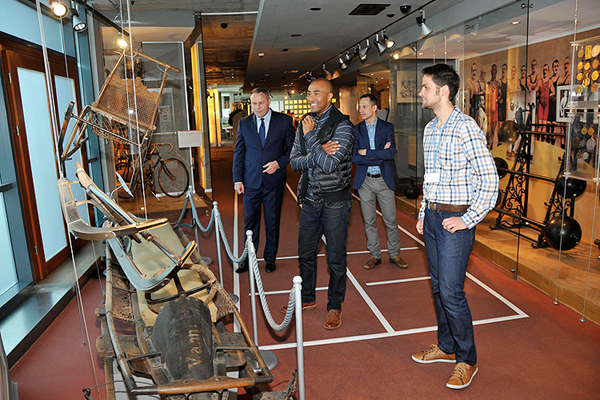 Colin Jackson at the Museum of Sport and Tourism in the Polish Olympic Committee HQ (Pawel Oprzadek)
