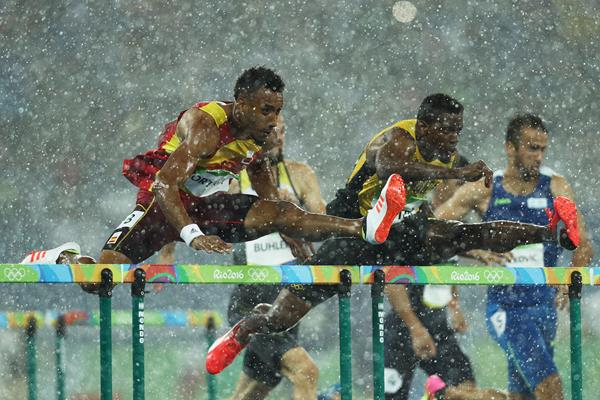 Orlando Ortega and Deuce Carter in the 110m hurdles at the Rio 2016 Olympic Games (Getty Images)