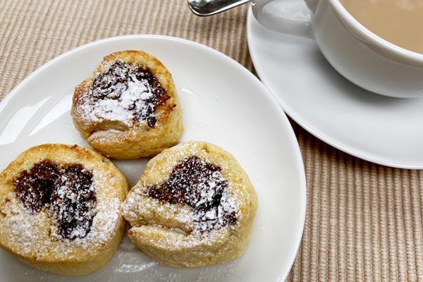 Fig rolls (Mara Yamauchi)
