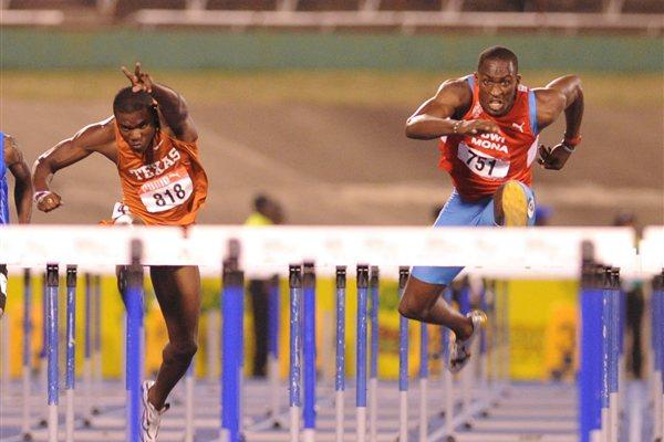 Hansle Parchment (r) on the way to his victory over Andrew Riley at Jamaican trials (Anthony Foster)