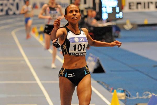 World record! 14:24.37 by Meseret Defar in Stockholm (Hasse Sjogren)