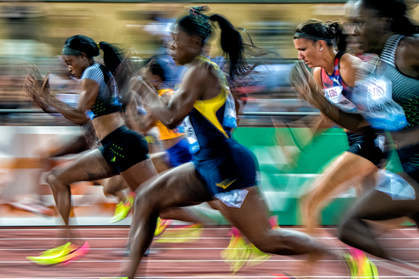 Elaine Thompson on her way to winning the 100m at the Lausanne Diamond League (Jeff Cohen)
