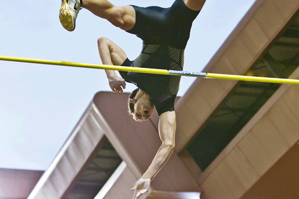 Renaud Lavillenie winning at the Monaco Diamond League (Philippe Fitte)