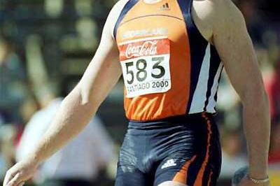 Rutger Smith wins the 2000 World Junior Shot title (Getty Images)