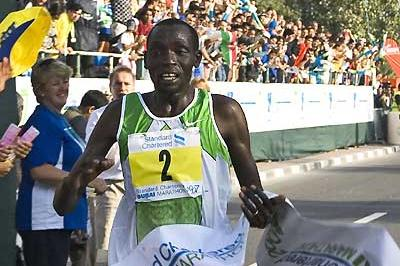 William Rotich brings home a sub-2:10 win in Dubai (c)