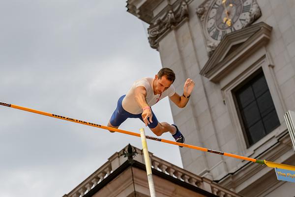 French pole vaulter Renaud Lavillenie at the Salzburg Cityjump (Salzburg Cityjump / Michael Rauschendorfer)