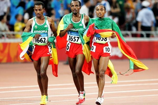 Kenenisa Bekele (left) with his Ethiopian team-mates Tariku Bekele and Abreham Feleke (Getty Images)