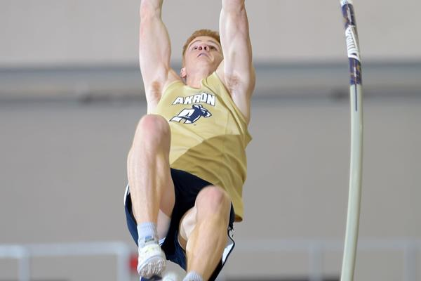 Shawn Barber at the 2015 NCAA Indoor Championships (Kirby Lee)